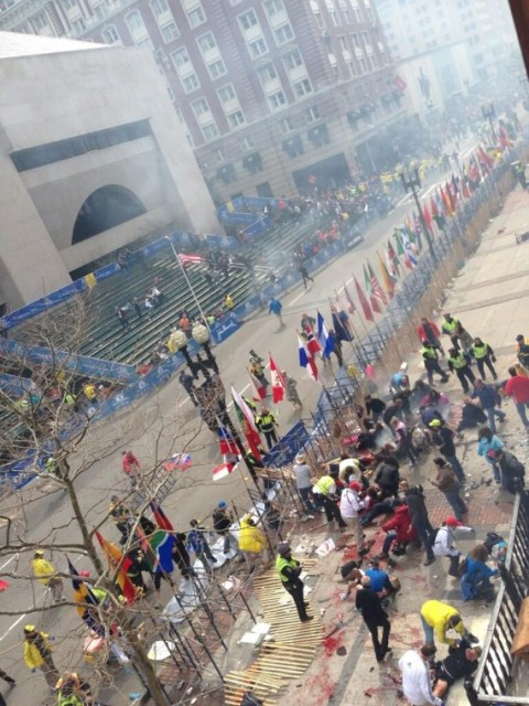 boston-marathon-explosion-bombs-2013-570x760